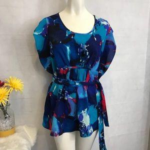 Daisy Fuentes medium top multi blues tie at waist